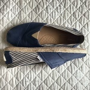 Toms Blue & White 10.5